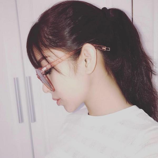 Chân dung bạn gái xinh đẹp khiến Yanbi 'tự nguyện' unfriend hết gái xinh trên Facebook - ảnh 3