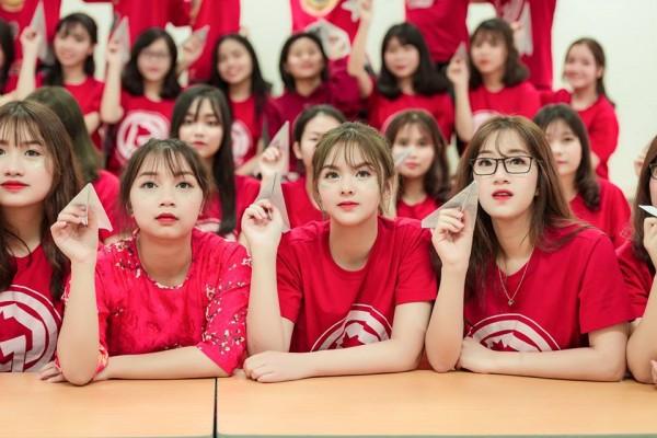 Lại xuất hiện thêm một nữ sinh Hà Nội sở hữu vẻ đẹp lai Tây khó rời mắt! - ảnh 3