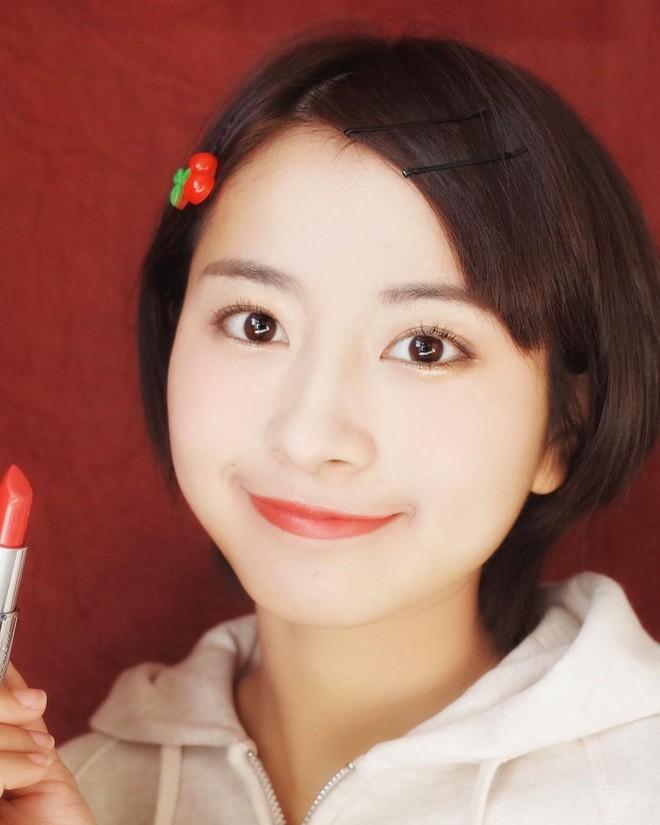 Nữ sinh Trung Quốc được cư dân mạng ca ngợi vì nhan sắc đỉnh cao, trông giống hệt ngọc nữ số 1 Nhật Bản - Ảnh 3.