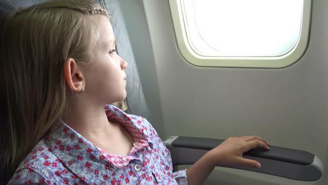 Gặp một bé gái bị ung thư trên chuyến bay, câu nói của cô bé đã làm thay đổi cuộc đời người đàn ông mãi mãi - Ảnh 3.