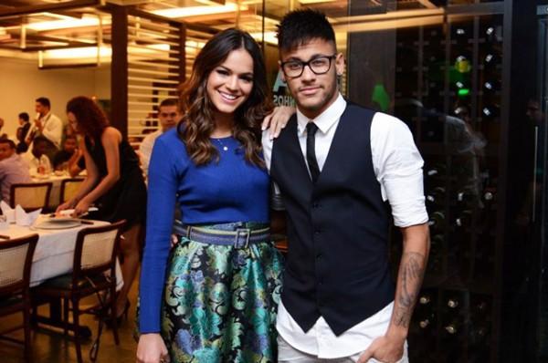 Lộ cảnh nóng ngoài biển, Neymar và nữ diễn viên Bruna chính thức tái duyên - Ảnh 4.