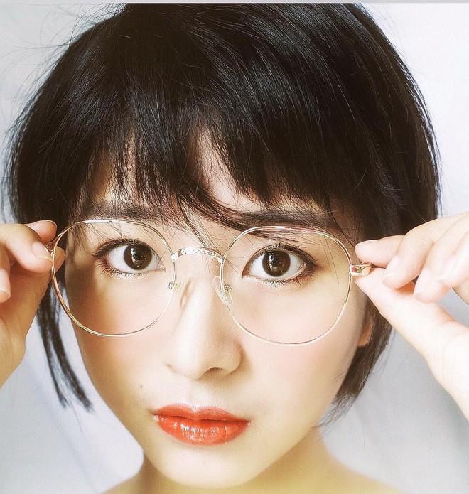 Nữ sinh Trung Quốc được cư dân mạng ca ngợi vì nhan sắc đỉnh cao, trông giống hệt ngọc nữ số 1 Nhật Bản - Ảnh 4.