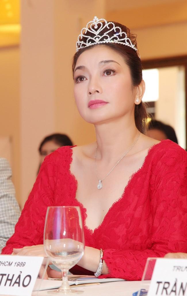 Những người đẹp Việt Nam một lần lên ngôi Hoa hậu, tại vị suốt hàng chục năm vẫn không có người kế nhiệm để trao vương miện - Ảnh 5.