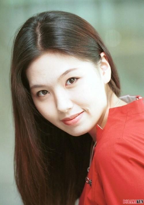 Diễn viên Hàn tự tử do trầm cảm: Kẻ áp lực công việc, người đau khổ vì bị kỳ thị đồng tính - Ảnh 4.