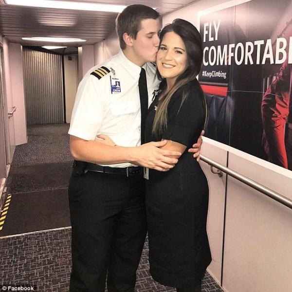 'Rụng tim' trước màn cầu hôn của chàng phi công nhút nhát ngay trên máy bay - Ảnh 5.