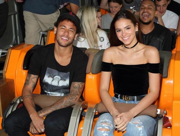 Lộ cảnh nóng ngoài biển, Neymar và nữ diễn viên Bruna chính thức tái duyên - Ảnh 5.