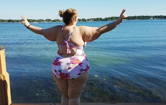 Đừng chỉ cố giảm cân bằng cách nhìn vào số cân nặng mà hãy thử làm như người phụ nữ 163kg này - Ảnh 4.