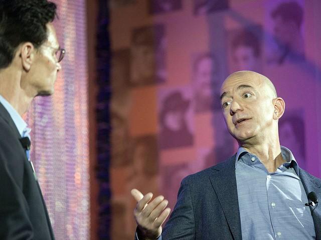 Jeff Bezos: Giàu nhất hành tinh song vẫn rửa bát giúp vợ mỗi tối - Ảnh 5.