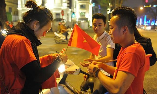 Kiếm bộn tiền đêm ăn mừng chiến thắng của tuyển U23 Việt Nam - Ảnh 6.