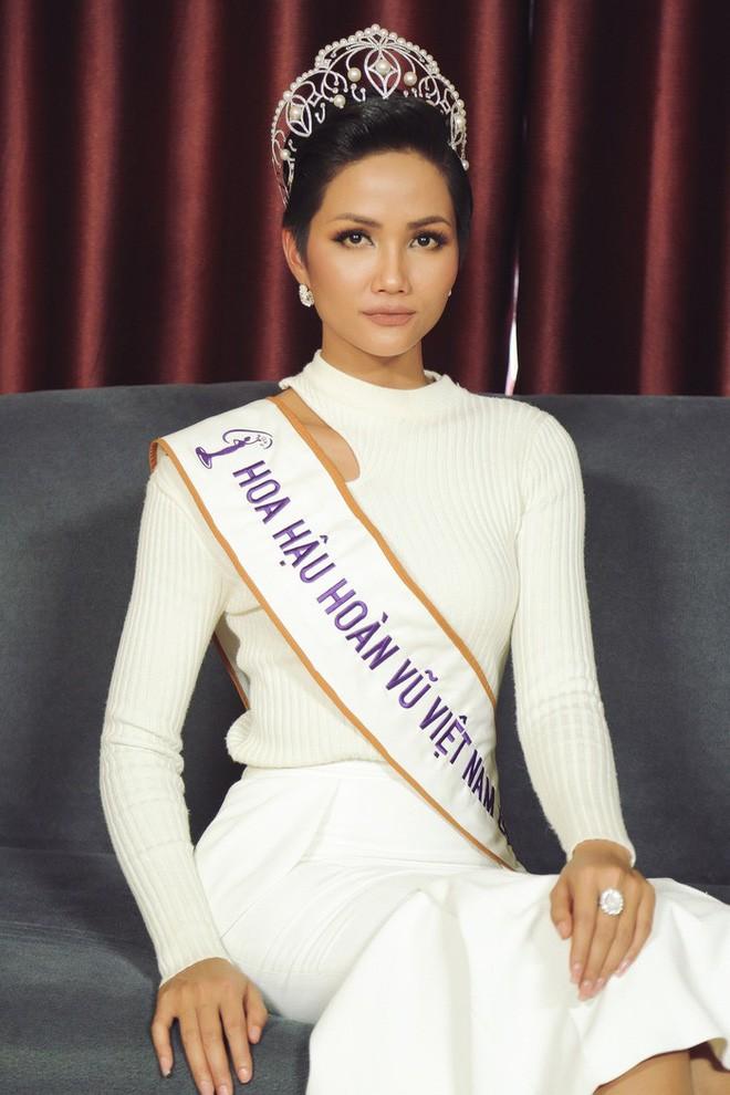 Không phải tấm gương về sự nghèo khó, đây mới là điều tuyệt vời nhất ở Hoa hậu HHen Niê - Ảnh 7.