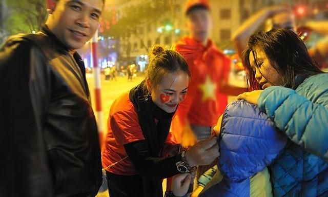 Kiếm bộn tiền đêm ăn mừng chiến thắng của tuyển U23 Việt Nam - Ảnh 7.