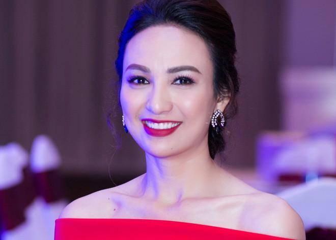 Những người đẹp Việt Nam một lần lên ngôi Hoa hậu, tại vị suốt hàng chục năm vẫn không có người kế nhiệm để trao vương miện - Ảnh 9.