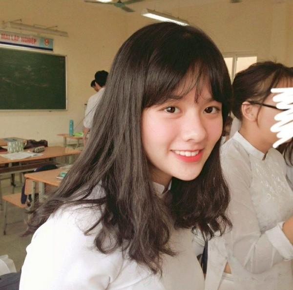 Lại xuất hiện thêm một nữ sinh Hà Nội sở hữu vẻ đẹp lai Tây khó rời mắt! - ảnh 9