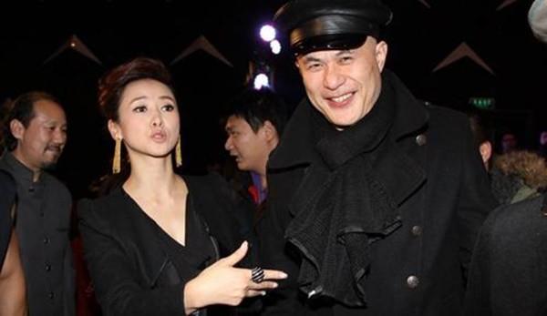 Chuyện tình như cổ tích và hành động khó tin của vợ ông vua phim cấp ba Hong Kong - Ảnh 7.