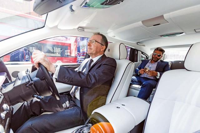 Công ty chuyên cho thuê siêu xe, xe sang tiết lộ 10 yêu cầu kỳ quặc nhất của giới nhà giàu - Ảnh 5.