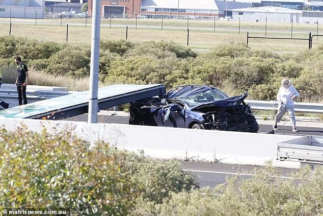 Lái xe trên đường, người phụ nữ suýt chết vì lí do không tưởng - Ảnh 2.