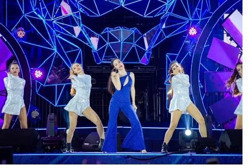 Sơn Tùng lạc trôi cùng hàng ngàn người hâm mộ với màn trình diễn xuất thần tại Tiger Remix - Ảnh 2.