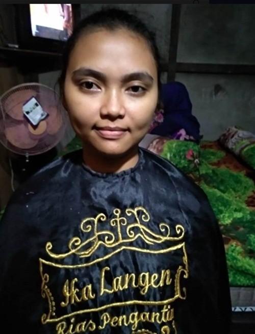Cô dâu Indonesia muốn trang điểm thành búp bê barbie trong đám cưới.