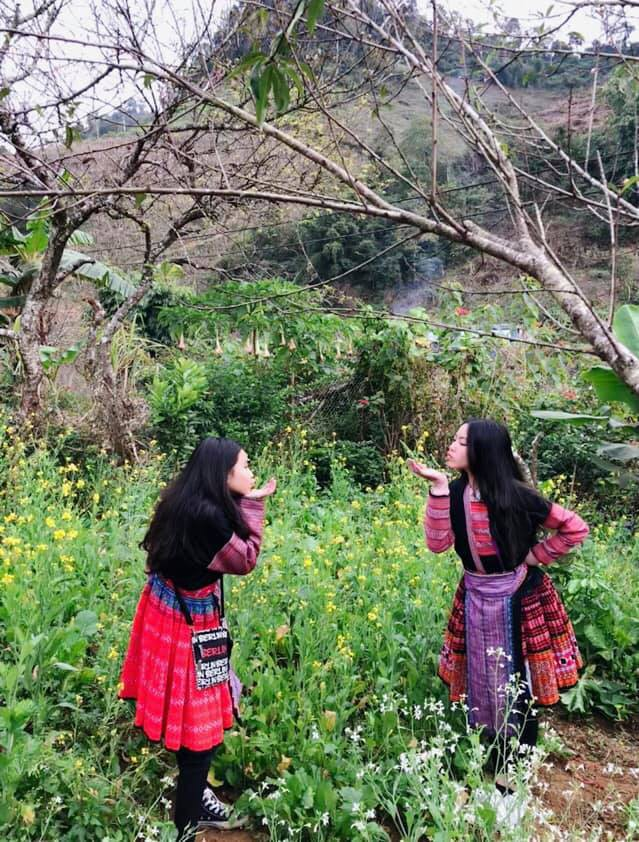 Bà xã Quyền Linh khoe ảnh cả gia đình ghé Mộc Châu, ai cũng chú ý đến 2 cô con gái xinh như hoa hậu - Ảnh 11.