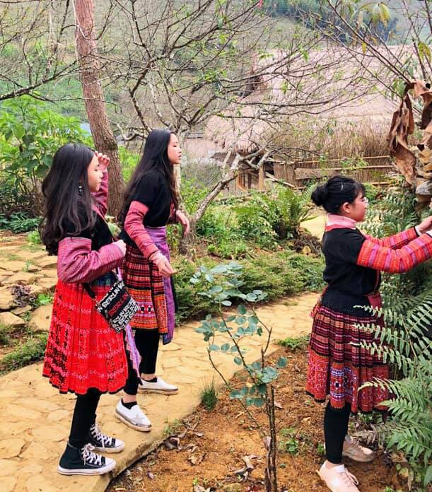 Bà xã Quyền Linh khoe ảnh cả gia đình ghé Mộc Châu, ai cũng chú ý đến 2 cô con gái xinh như hoa hậu - Ảnh 12.