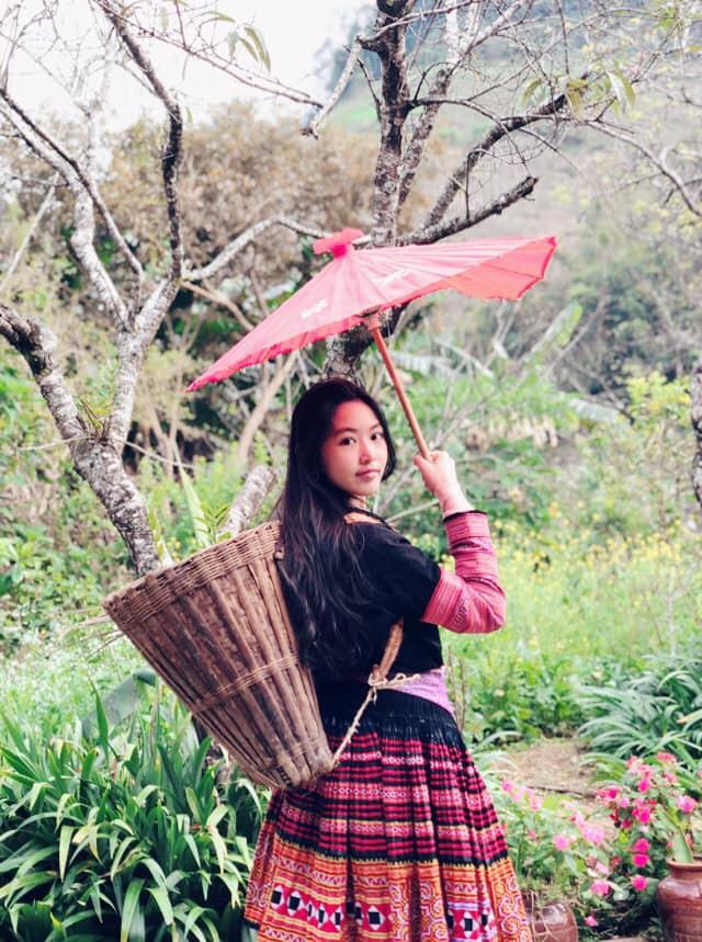Bà xã Quyền Linh khoe ảnh cả gia đình ghé Mộc Châu, ai cũng chú ý đến 2 cô con gái xinh như hoa hậu - Ảnh 3.