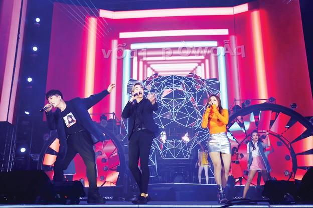 Sơn Tùng lạc trôi cùng hàng ngàn người hâm mộ với màn trình diễn xuất thần tại Tiger Remix - Ảnh 5.