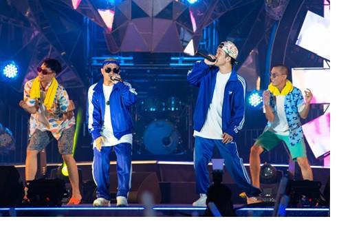 Sơn Tùng lạc trôi cùng hàng ngàn người hâm mộ với màn trình diễn xuất thần tại Tiger Remix - Ảnh 7.
