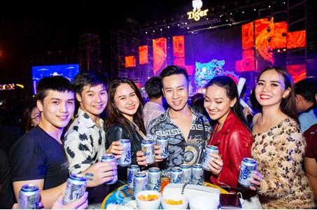 Sơn Tùng lạc trôi cùng hàng ngàn người hâm mộ với màn trình diễn xuất thần tại Tiger Remix - Ảnh 8.