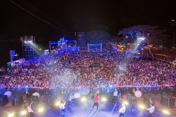 Sơn Tùng lạc trôi cùng hàng ngàn người hâm mộ với màn trình diễn xuất thần tại Tiger Remix - Ảnh 9.