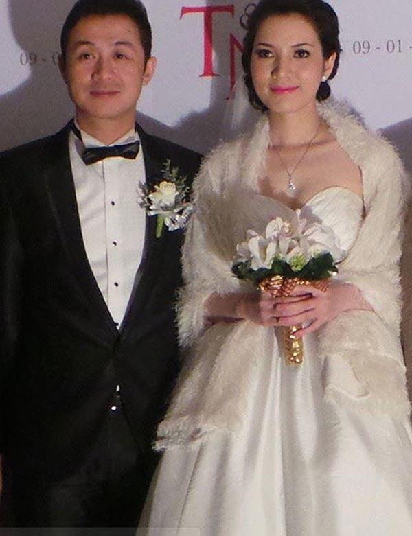 Vợ kém 14 tuổi nói lời yêu thương với MC Anh Tuấn sau 10 năm bên nhau - Ảnh 1.