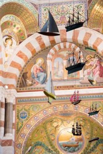 Khám phá 20 nhà thờ đẹp nhất châu Âu - Ảnh 13.