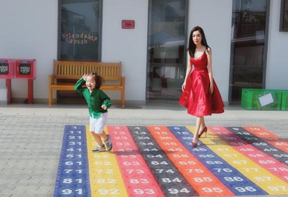 Chồng Tây vừa bị lộ danh tính, Elly Trần lại tiết lộ câu chuyện gia đình đầy bất ngờ - Ảnh 3.
