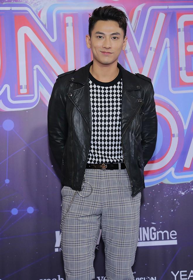 Hari Won mặc gợi cảm, thoải mái tình tứ bên người tình màn ảnh - Ảnh 7.