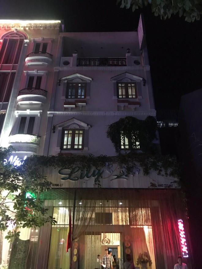 Bắt giam quản lý và bảo vệ của spa Lily tổ chức bán dâm cho khách nước ngoài ở Sài Gòn - ảnh 1