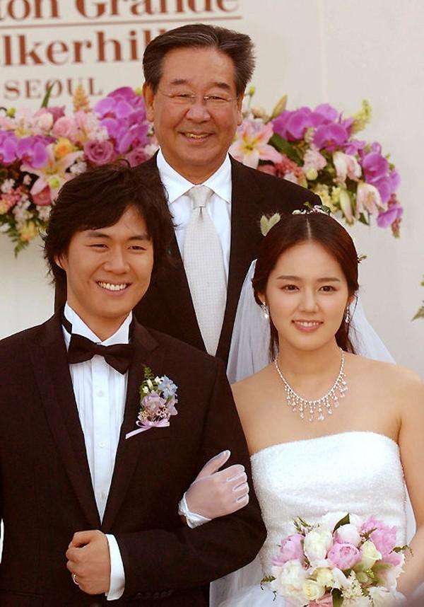 Bỏ hết tất cả để lên kết hôn sớm, loạt sao Hàn này vẫn có được hôn nhân viên mãn hết phần thiên hạ - Ảnh 4.