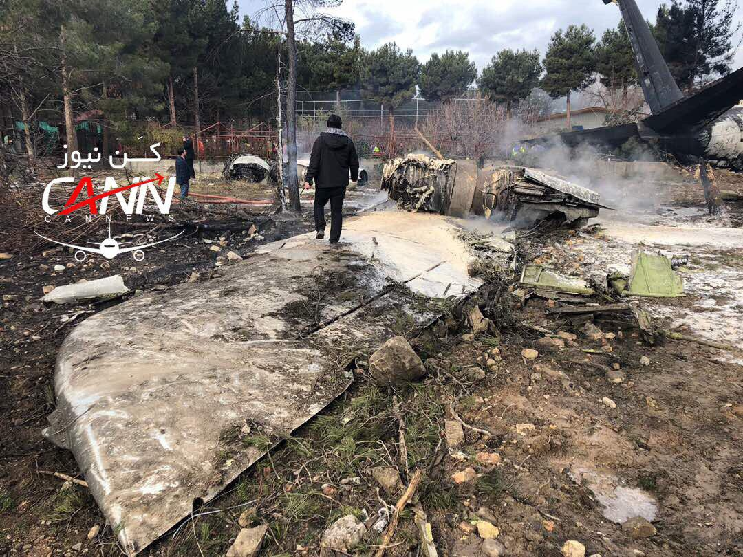 [NÓNG] Rơi gần thủ đô, Boeing-707 của quân đội Iran bốc cháy, chỉ 1 người sống sót - Ảnh 4.