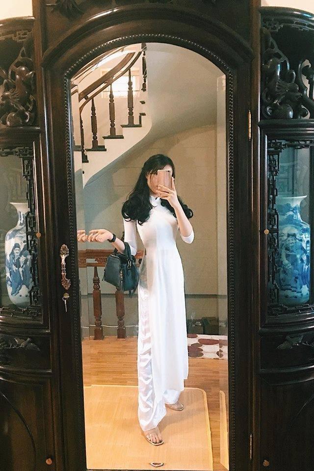 Nữ sinh Việt diện áo dài trắng: Người xinh đẹp trong trẻo xuất sắc, người quyến rũ với 3 vòng siêu chuẩn - Ảnh 1.