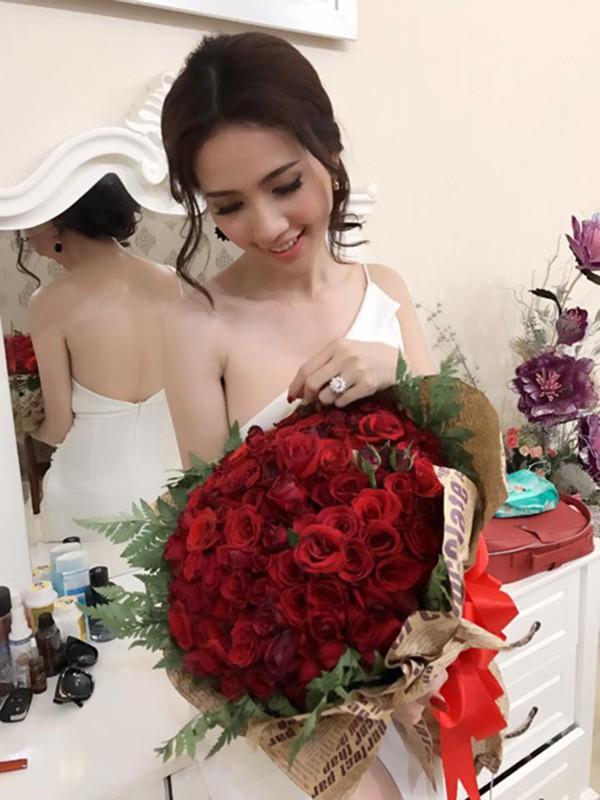 Cuộc sống giàu sang của mỹ nhân thi 7 lần mới đăng quang hoa hậu - Ảnh 9.