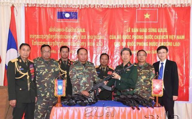 Tự hào vũ khí Made in Vietnam: Kiêu hãnh trong Lễ duyệt binh của Quân đội Lào - Ảnh 1.