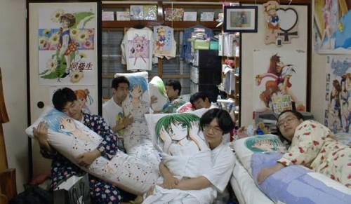 Xu hướng đi ăn, hát Karaoke một mình bùng nổ ở Nhật Bản - Ảnh 3.