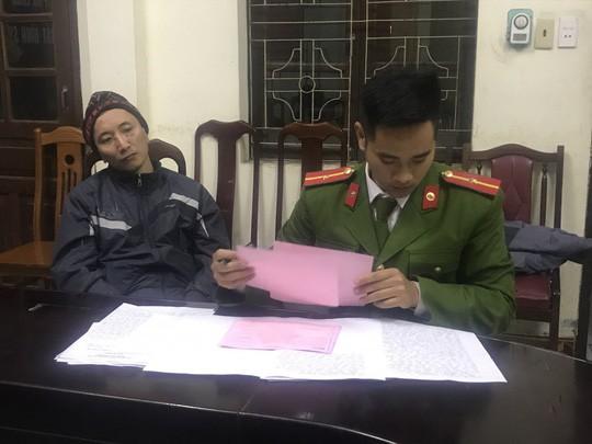 Tên cướp gí súng uy hiếp nhân viên ngân hàng BIDV cướp 720 triệu đồng - Ảnh 1.