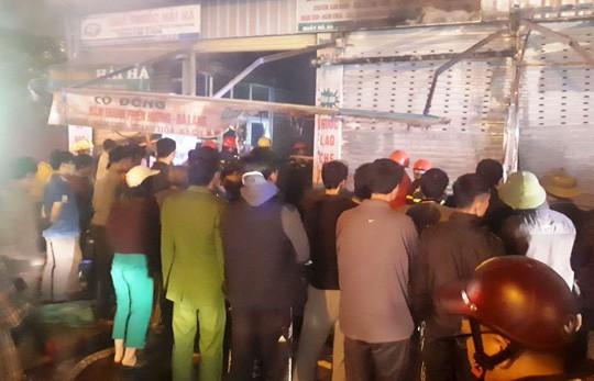 Cháy chợ đầu mối lớn nhất Thanh Hóa trong đêm cận Tết, tiểu thương trắng tay - Ảnh 1.