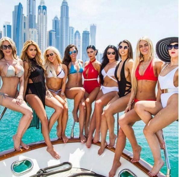 Mua sắm hàng hiệu, nuôi hổ, lái xe sang: Đây chính là cuộc sống xa xỉ hàng ngày của con nhà giàu Dubai - Ảnh 2.