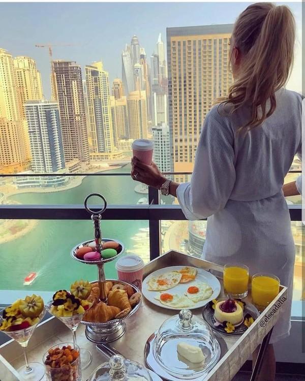 Mua sắm hàng hiệu, nuôi hổ, lái xe sang: Đây chính là cuộc sống xa xỉ hàng ngày của con nhà giàu Dubai - Ảnh 4.