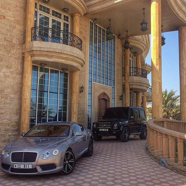 Mua sắm hàng hiệu, nuôi hổ, lái xe sang: Đây chính là cuộc sống xa xỉ hàng ngày của con nhà giàu Dubai - Ảnh 10.