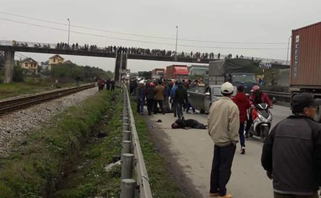 Tai nạn thảm khốc ở Hải Dương: Đoàn người đi đưa tang bị xe tải đâm, 8 người tử vong - Ảnh 5.