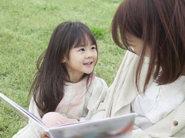 Cha mẹ không cần mất công nghĩ nhiều cách phạt con chỉ cần áp dụng đúng kiểu kỷ luật này trẻ sẽ ngoan ngoãn ngay - Ảnh 2.