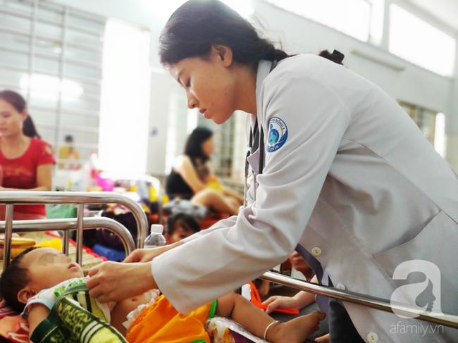 Bác sĩ Nhi Đồng khuyến cáo: Trẻ có thể nhập viện hàng loạt sau Tết nếu phụ huynh cứ cho con ăn uống kiểu này - Ảnh 3.