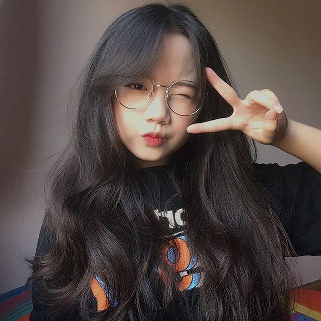 Nữ sinh Việt khiến dân mạng và truyền thông Trung Quốc phát cuồng vì bức ảnh mặc áo dài với mái tóc mây siêu đẹp - Ảnh 4.
