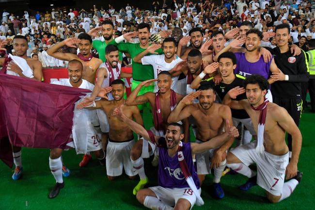 Hy hữu: Hoàng tử UAE mua sạch vé, không cho CĐV Qatar xem bán kết Asian Cup 2019 - Ảnh 2.